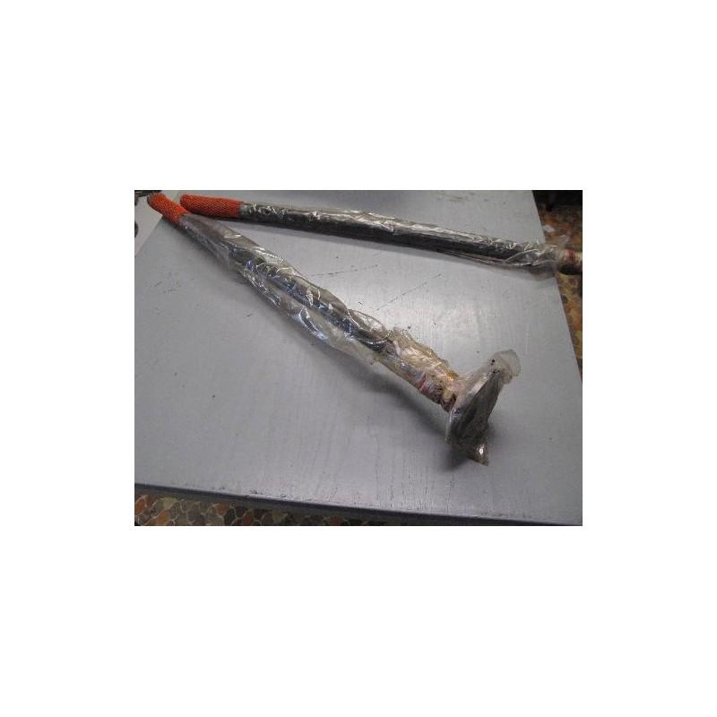 Rear axel shaft short