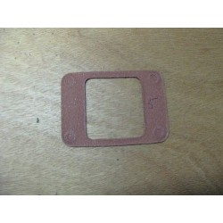 Manifold gasket between in and out