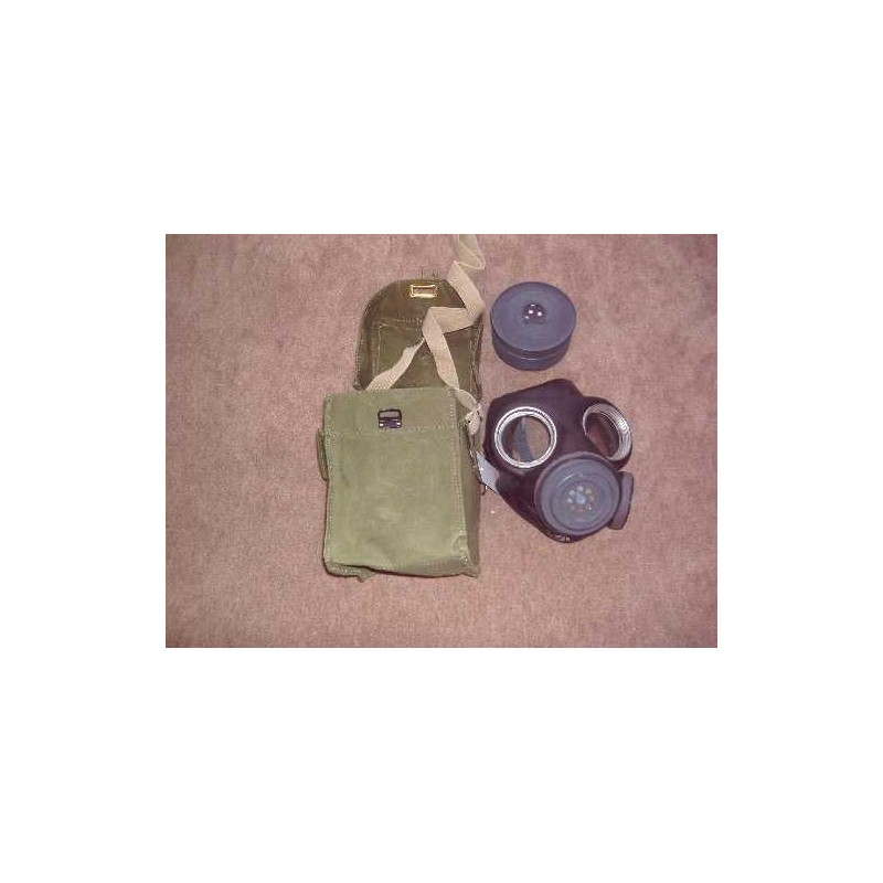 Gasmask with bag and filter WW II