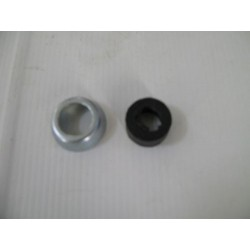 Retainer shackle incl. grease seal